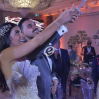 جمال فياض وهادي خليل وصلاح الكردي وأحمد المنجد يجتمعون في حفل زفاف سمر زين الأتات وعمر صلاح سكر