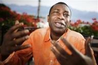 المغني السنغالي يوسو ندور يدعو الافارقة لمساعدة ضحايا المجاعة