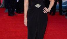 """كيت وينسلت في ثوب يرسم قوامها الممتلىء في عرض """"Titanic"""""""