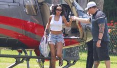 ريانا تضجّ إثارة في جزيرة برازيلية..من أجل Vogue