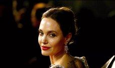 أنجلينا جولي مغطاة بالنحل-بالصورة