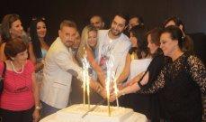 ممثلو لبنان يقتحمون القصر الجمهوري.. وهذا هو الرئيس الجديد!