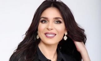 """الراقصة دينا تعلق على كتابة """"راقصة"""" على قبرها وفيفي عبده مصدومة!-بالفيديو"""