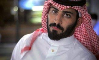 عبد الرحمن المطيري يتباهى بشرائه ناقة بمبلغ خيالي-بالفيديو