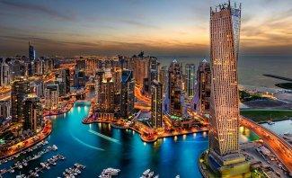 بالفيديو- حارس آلي يرافق فهد بن راسم الصباح في دبي.. تكلفته باهظة!