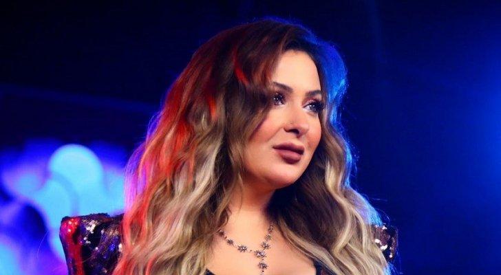 خاص بالفيديو- سجالات حادة بين فرح يوسف ومتابعيها بسبب الإقامة الذهبية