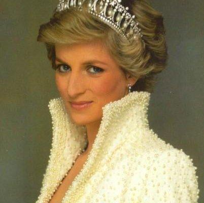 الأميرة ديانا تعود بعد 16 عام الى مكان موتها .. باريس