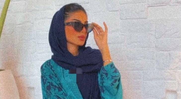 فاطمة الأنصاري من دون حجاب وبفستان قصير.. والجمهور مستاء- بالصور