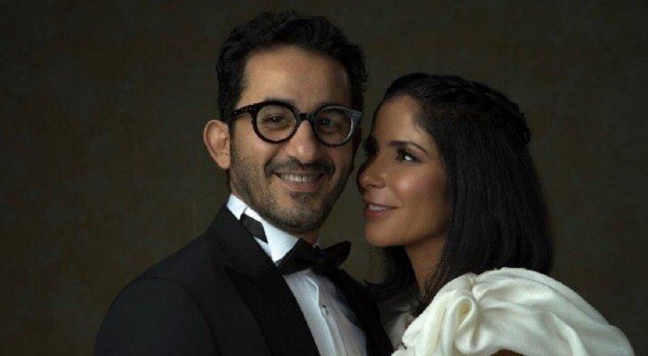 """أحمد حلمي يُحرج منى زكي أمام الجمهور وهي تعلّق: """"الناس يقولوا إيه عليا عبيطة مثلا؟""""- بالفيديو"""