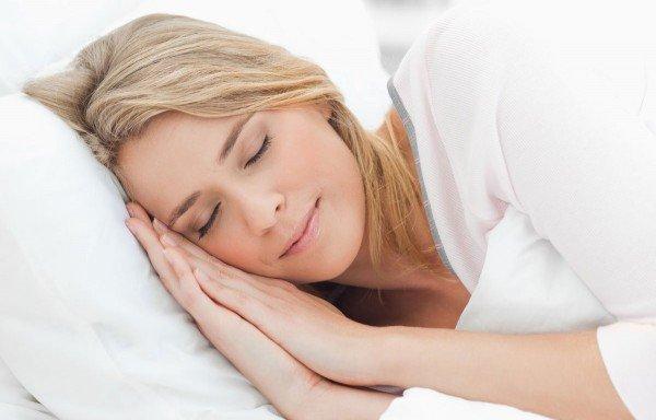 طريقة غير اعتيادية للنوم بعد دقيقتين