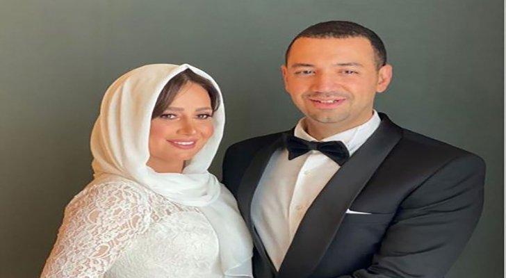 صورة جديدة لـ حلا شيحة ومعز مسعود حديث المتابعين