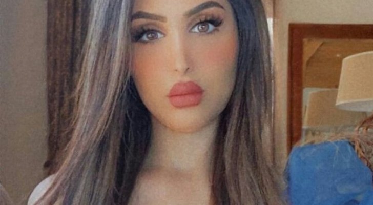 """هند القحطاني برد قاس على متابع: """"كل أنثى لها عضو تناسلي وثديين""""- بالصورة"""