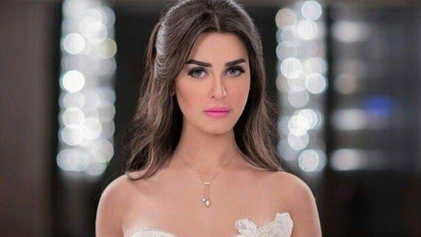 رانيا منصور بإطلالة كلاسيكية ناعمة - بالصور