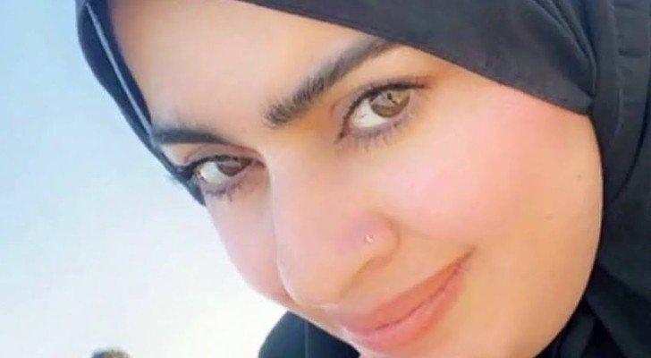 أميرة الناصر تسخر من زوجها وتشبّهه بالهنود – بالفيديو