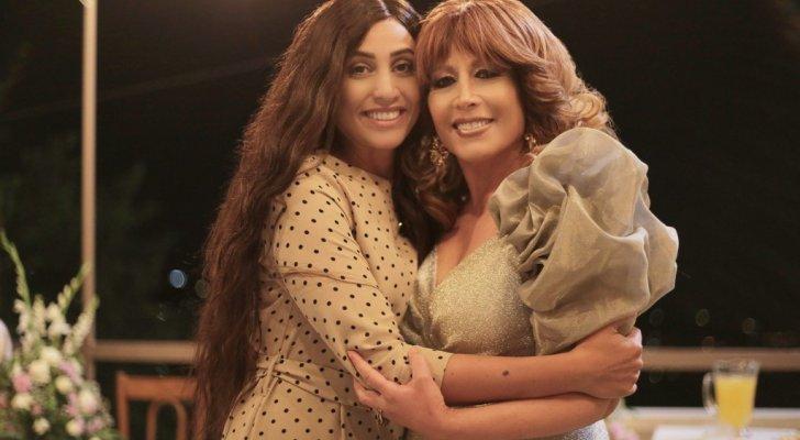 """دينا الشربيني تصل الى لبنان لتجتمع بـ تقلا شمعون في """"الزيارة"""""""