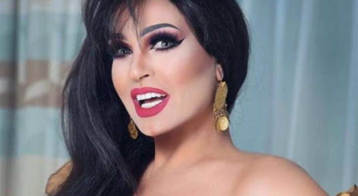 بعد رقصها مرتدية المنشفة..فيفي عبده الى المحاكم فهل يتم سجنها لخدشها الحياء؟