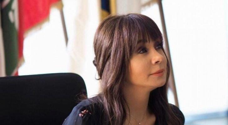 كاريس بشار تكشف عن عمرها الحقيقي-بالصورة